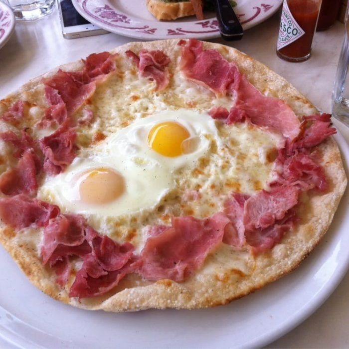 Breakfast Pizza with Smoked Ham, Fontina & Eggs