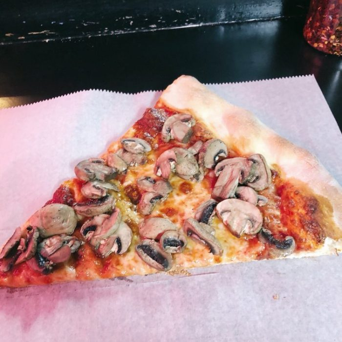 Mushroom Pizza Whole (Large)